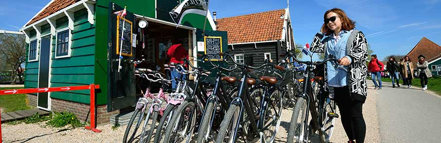 Hire a bike and discover cycling routes in the Zaanse Schans